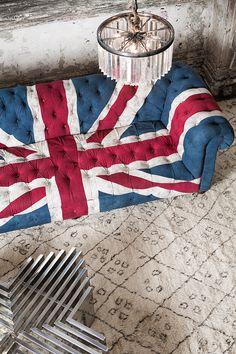 Union jack sofa on soft Moroccan Berber rug. Union Jack Decor, England And Scotland, England Uk, Union Flags, Uk Flag, Beni Ourain, Barbie Dream, Shops, Decoration