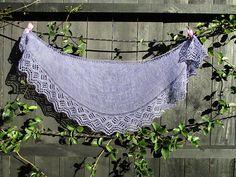 Ravelry: Wellen Tuch pattern by Asita Krebs