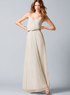{Knife-pleat Maxi Dress • Victorias Secret • $98} LOVE this. the gold belt addition is PERFECT! Comes in VS XS-XL as well as short sizes as well. Color: Milk