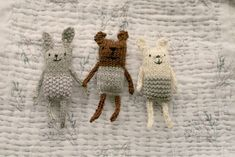 anything animals and other treats (tiny happy) – Amigurumi Free Pattern İdeas. Knitted Dolls, Crochet Toys, Knit Crochet, Crochet Baby, Baby Knitting Patterns, Free Knitting, Crochet Patterns, Knitting Toys, Knitted Animals