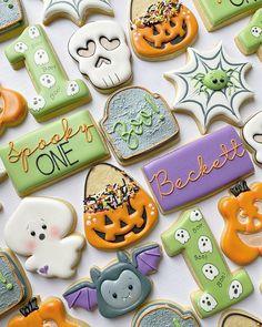 Fall Cookies, Cookies For Kids, No Bake Cookies, Sugar Cookies, Halloween Cookies Decorated, Decorated Cookies, Oct 29, Royal Icing Cookies, Cookie Designs