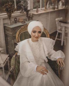 Disney Wedding Dresses, Hijab Bride, Pakistani Wedding Dresses, Niqab, Nigerian Weddings, African Weddings, Street Hijab Fashion, Muslim Brides, Wedding Poses