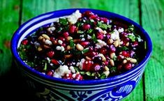 Pomegranate and Queso Fresco Salsa Healthy Snacks, Healthy Eating, Healthy Recipes, Diet Snacks, Dip Recipes, Cheese Recipes, Dessert Recipes, Desserts, Great Recipes