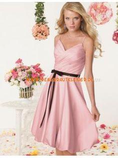 Traumhafte Abendkleider kaufen online