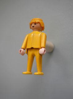 Patère Playmobil / Création MADAMELABROC Kids Coats, Puzzle Toys, Bathroom Kids, Diy Toys, Love Home, Diy Furniture, Gaston, Puzzles, Kids Room
