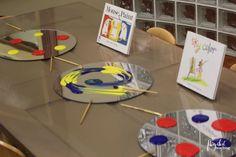5 Paint Invitations to Embrace the Explore Stage Mouse Paint book Paint Invitation Preschool Colors, Preschool Art, Preschool Activities, Reggio Emilia Classroom, Reggio Inspired Classrooms, Painting Activities, Color Activities, Mouse Paint, Exploration