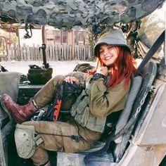 Military Women, Military Police, Military Female, Israeli Female Soldiers, Israeli Girls, Idf Women, Brave Women, Ulzzang Korean Girl, Girls Uniforms