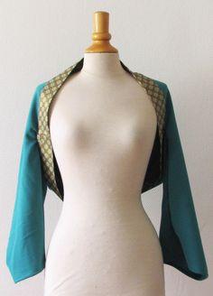 Boléro kimono en crêpe turquoise et coton japonais, kamon vert et doré taille S