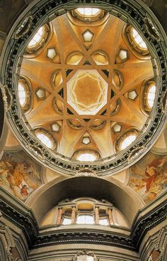 Church of San Lorenzo, Turin - Guarino Guarini