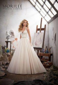 932c2a72f8 8119-0017 low-res2 Style Sukienek Ślubnych