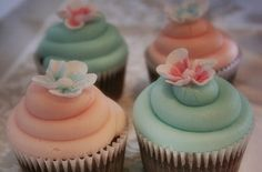 coral and mint cupcakes | Teal and Peach Wedding Cupcakes
