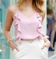 Pin by marisilvi pavon on moda in 2019 Blouse Styles, Blouse Designs, Casual Outfits, Cute Outfits, Look Fashion, Womens Fashion, Outfit Trends, Look Chic, Casual Chic