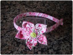 Giselle Barbosa Artesanatos: Tiara com flor de fuxico rosa estampado II