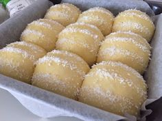 Soft milk buns added with natural yeast for better aroma and texture. The buns were filled with moist grated coconut swe. Coconut Buns, Milk Bun, Resep Cake, Palm Sugar, Bread Recipes, Natural, Breads, Texture, Food