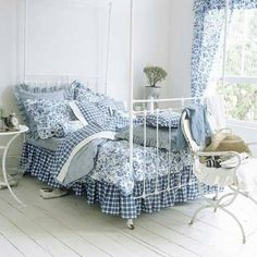 Blue and white country bedroom. I think I really like an all-white room! Blue Rooms, White Bedroom, French Country Bedrooms, Country Bedroom Blue, Bedroom Photos, Guest Bedrooms, White Decor, Beautiful Bedrooms, Country Decor