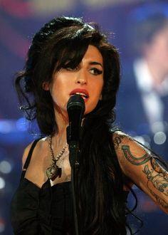 - Amy Winehouse - #music #singer #pop soul #rnb #rip #27club #retro #musician #amywinehouse http://www.pinterest.com/TheHitman14/amy-winehouse-%2B/