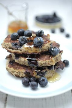 BLUEBERRY , CHIA + BANANA PANCAKES This is my delicious flourless pancake recipe packed full of wholefood goodness. Made from organic eggs, smashed banana, almond and lush blueberry, making this the perfect healthy indulgence. The banana adds moisture and the almond meal adds structure and richness. What I love about these is that they are easy to make and the whole family will love them.