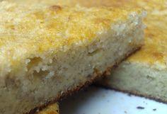 Gâteau moelleux à la banane - Gateaux Cake, Cornbread, Four, Ethnic Recipes, Desserts, Vegetarische Rezepte, Cooker Recipes, Food Hacks, Dessert