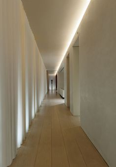 Indirect lighting (Charlotte Minty Interior Design: Ian Schrager's Penthouse at 40 Bond, NYC) Corridor Lighting, Cove Lighting, Indirect Lighting, Linear Lighting, Interior Lighting, Light Architecture, Interior Architecture, Plank, Strip Led