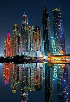 Night city tour in abu dhabi dubai arquitectura, city buildings, amazing buildings, lugar Beautiful Buildings, Beautiful Places, Dubai City, Dubai Uae, City Wallpaper, Iphone Wallpaper, Dubai Travel, City Aesthetic, City Landscape