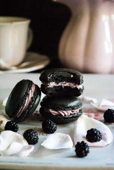 Macarons de Chocolate y moras Paso a Paso - Megasilvita