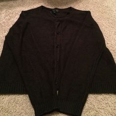 H&M sweater Comfy sweater, only worn a few times, no pulls or snags! Will accept offers! Divided Sweaters
