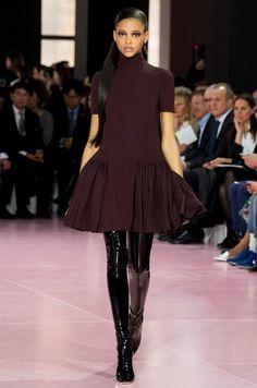 Короткое осеннее платье модное
