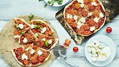 Yön yli kohotettava pizzapohja on todella maukas ja rapea. Kannattaa kokeilla! Mozzarella, Vegetable Pizza, Vegetables, Food, Italia, Essen, Vegetable Recipes, Meals, Yemek