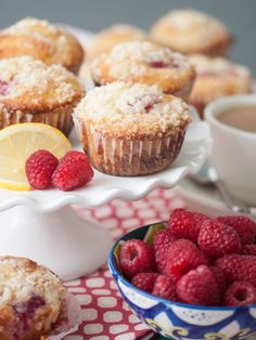 Raspberry-Lemon Streusel Muffins Recipe - RecipeChart.com #Breakfast #Desserts #Snack