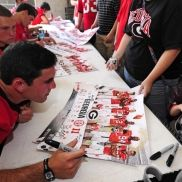 QB Aaron Murray signing autographs at #UGA Picture Day 8/20