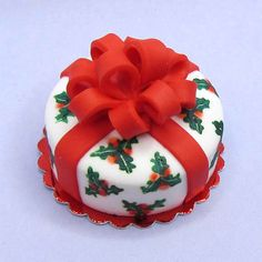 Miniature dollhouse food Christmas cake gift wrapped box with bow