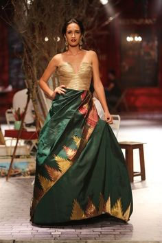 funky lengha with corset top   Monisha Jaising for India Couture Fashion Week 2014