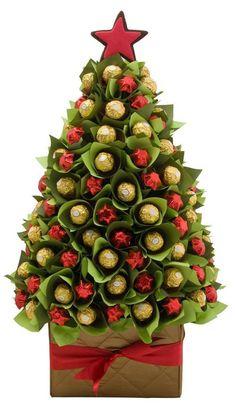 Homemade Food Chirstmas Tree Inspirations +Tips Christmas Tree Chocolates, Fruit Christmas Tree, Christmas Candy Gifts, Christmas Crafts, Christmas Decorations, Xmas Tree, Chocolate Navidad, Chocolate Tree, Christmas Chocolate