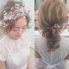 @brillantmariのInstagram写真をチェック • いいね!3,131件 Wedding Party Hair, Wedding Hair Flowers, Flowers In Hair, Dress Hairstyles, Party Hairstyles, Bride Hairstyles, Bridal Hairdo, Hairdo Wedding, Curly Hair Problems
