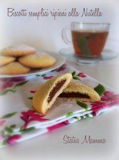 Biscotti semplici ripieni alla Nutella