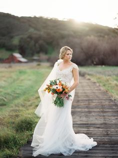 Organic Peach and Gold Anniversary Session | Wedding Sparrow | Greer Gattuso Photography