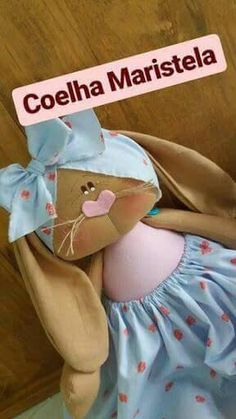 Cris Silva Felt Crafts, Easter Crafts, Fox Nursery, Fabric Toys, Felt Patterns, Diy Sewing Projects, Autumn Theme, Softies, Handmade Toys