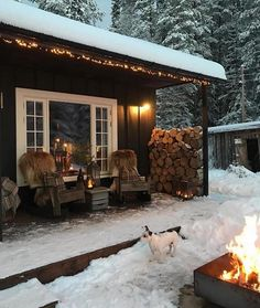 6 Best Outdoor Christmas Lights You Will Love it - Winter Porch, Winter Cabin, Cozy Cabin, Christmas House Lights, Merry Christmas, Christmas Decorations, Lake Cabins, Backyard, Patio