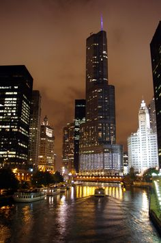 Trump Tower, Chicago, my future home Chicago Usa, Chicago Illinois, Trump Hotels, City Lights At Night, Endless Night, The Second City, Places In America, Trump Tower, Travel
