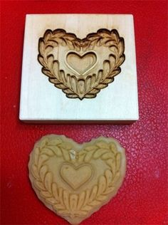 Cookie molds are soooo addicting to collect and bake with !