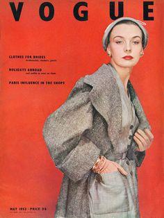 May 1952 Vogue Vintage Magazine Vogue Uk, Vogue Fashion, 1950s Fashion, Vogue Photo, High Fashion, Vogue Magazine Covers, Fashion Magazine Cover, Fashion Cover, Vintage Fashion Photography