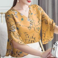 RibbonFish Women Summer Style Flower Printed Blouses Shirts Lady Casual Short Flare Sleeve Bow Tie V-Neck Blusas Kurti Sleeves Design, Sleeves Designs For Dresses, Kurti Neck Designs, Dress Neck Designs, Blouse Designs, Sleeve Designs, Trendy Outfits, Fashion Outfits, Womens Fashion