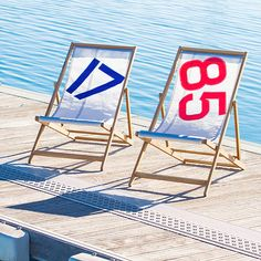 Muebles realizados de forma artesanal con vela de barco reciclada / Furniture handmade with recycled sail boat. #mediterraneanfashion #sportandchic #recycledsails #madeofmediterraneandream #travellingsportandsailing #handmadebags #valencia #imperiummaris #estilomediterraneo #sportchic #velasdebarcorecicladas #furniture #muebles #viajesdeportenavegacion #bolsosartesanales #bolsoshechosamano