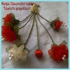 Organza Ribbon, Silk Ribbon Embroidery, Shibori, Soutache Jewelry, Fabric Flowers, I Wallpaper, Diy And Crafts, How To Make Money, Crochet Necklace