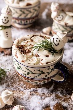 Creamy Coconut Hot Chocolate complete with snowman marshmallows, because.'tis the season! The coziest mug of hot cocoa.for your Black Friday lounging! Christmas Desserts, Christmas Treats, Christmas Baking, Christmas Cookies, Christmas Time, Christmas Coffee, Cozy Christmas, Coconut Hot Chocolate, Hot Chocolate Recipes
