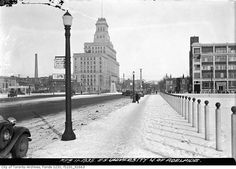 Looking north up University from Richmond in the winter of 1935 shortly after University had been extended south of Queen.