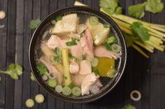 Vietnamesische Hühnersuppe mit Zitronengras (wirkt Wunder gegen Erkältung!)