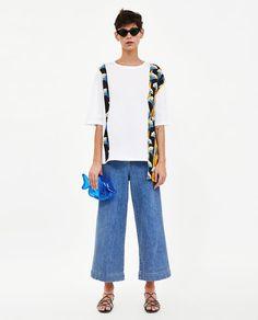 d6b8ae4b1d03 ZARA - WOMAN - T-SHIRT WITH CONTRASTING PRINT Zara Women, Zara Fashion,