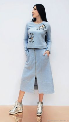 Spring Wear has never been so Brilliant! Since the beginning of the year many girls were looking for our Of The Best guide and it is finally got released. Now It Is Time To Take Action! See how. Outfit Chic, Chic Outfits, Hijab Fashion, Fashion Dresses, Sport Fashion, Womens Fashion, Spring Wear, Embroidered Clothes, Mode Hijab