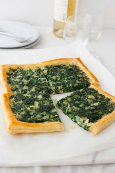 A savory tart with spinach and cheese on a flaky puff pastry crust. This spinach tart can be served with a fried egg for an easy vegetarian dinner. Puff Pastry Dough, Puff Pastry Recipes, Tart Recipes, Cooking Recipes, Spinach Tart, Spinach And Cheese, Goat Cheese, Caramelised Onion Tart, Caramelized Onions